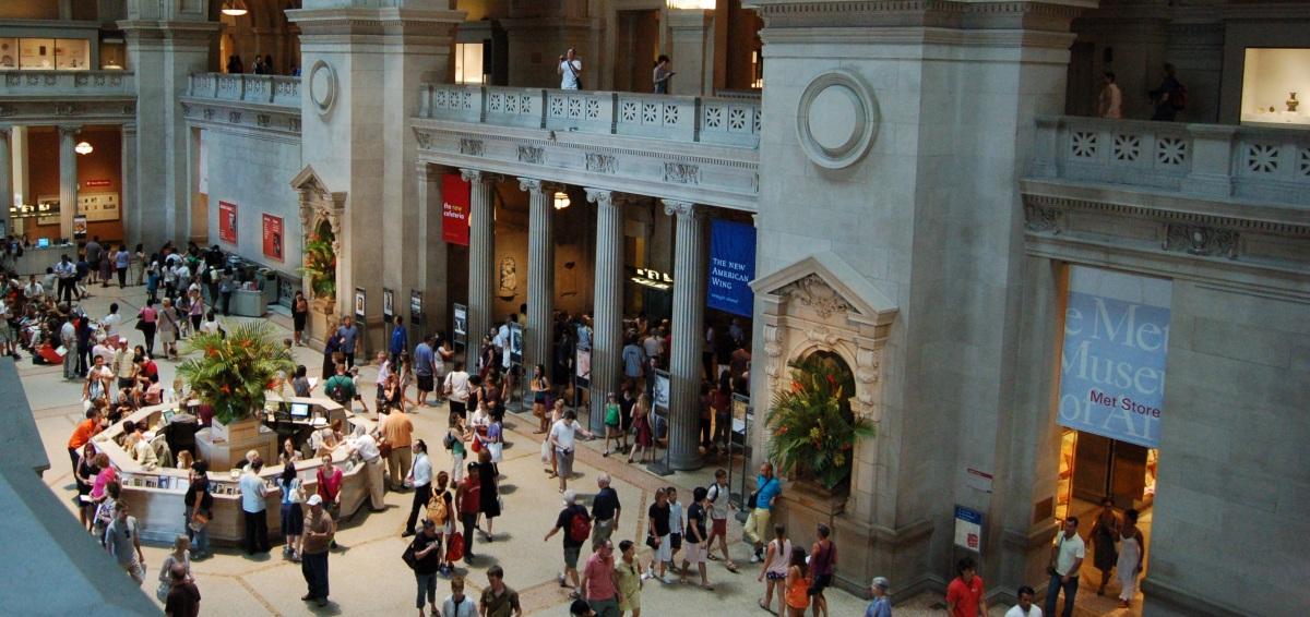 Trabajar gratis y algo más. ¿Cuál es el papel de los voluntarios en los museos?